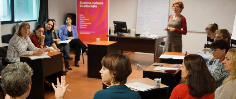 Parteneri edu-creativi – Artiști și profesori aduc arta în școlile bucureștene